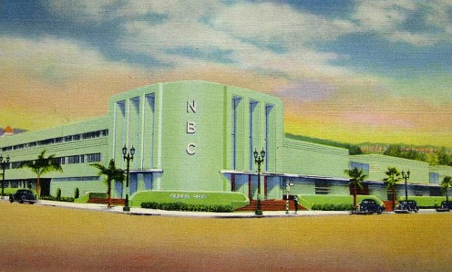 1938 postcard featuring typical Art Deco design elements
