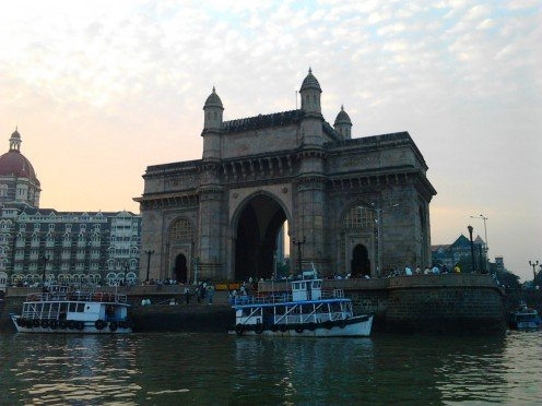 Hotel Taj and Gateway of India