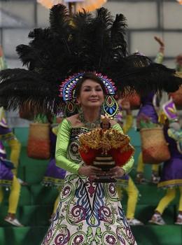 Cebu Governor Gwendolyn Garcia join the festival