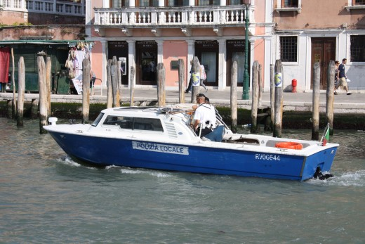 Polizia Locale, The local police and ambulances even have boats to travel around.