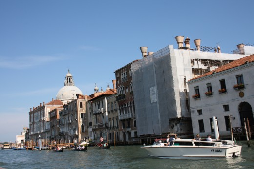 Renovating a building on the Grand Canal couldn't be an easy job.