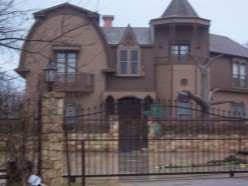The Munster Mansion replica from the road