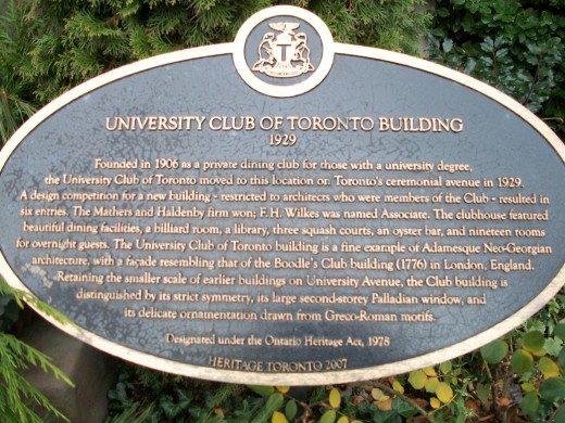 Historical plaque, University Club of Toronto Building