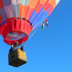 Photographing from Balloons and Kites