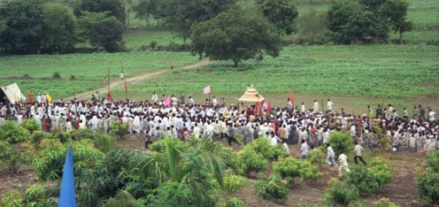 There was a grand welcome and procession when Swami eventually made the trip to Latur and Chakur...