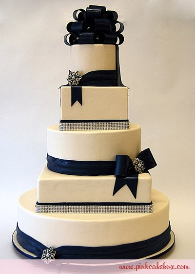 Navy And White Wedding Cake Photo Credit Pinkcakebox