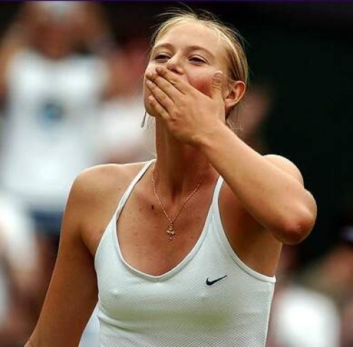 Tennis Princess Maria Sharapova Sexy Stills and Hot Cleavage pictures
