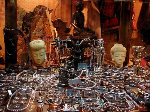 Jewelry Shop in Bali - Murni's Shop.