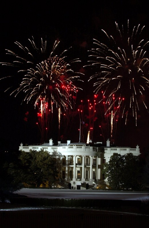 Fireworks over the White House on the eve of President Bush's second inauguration in 2005. Credit: U.S. Navy public domain photo by Journalist 2nd Class Mark O'Donald