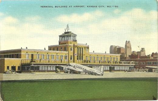 TERMINAL BUILDING AT AIRPORT : KANSAS CITY, MO
