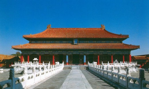 The palace of the han dynasty changan, have WeiYangGong, changle palace, GuiGong, north palace, the bright light house, and then in the west part of next to WeiYangGong; a palace.
