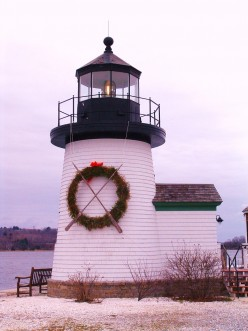 What is a Fresnel lens and why did its invention revolutionize lighthouse optics & save lives?