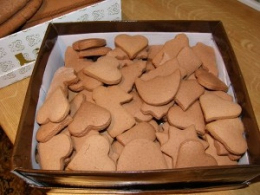 """in the raw"" before they are frosted or decorated"