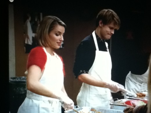 Sam and Quinn skip the Christmas special to serve food to the homeless.