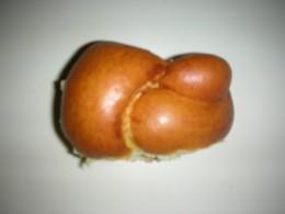 Brioche knot roll