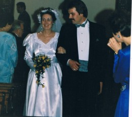 November 27, 1987...seemed like yesterday. Kelly was just 20? and Ardie 12.