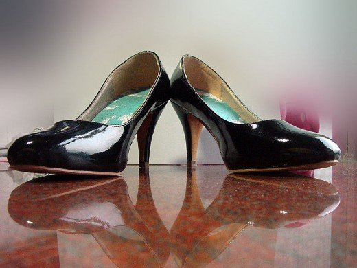 Heeled pumps, also called 'court shoes'