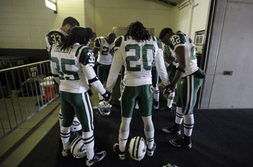 2011 Regular Season Week 15 Jets at Eagles Game Photos