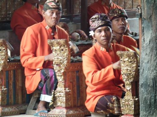 Musicians accompanying the Barong Dance