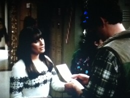 Rachel makes a Christmas list to aid Finn his gift giving.