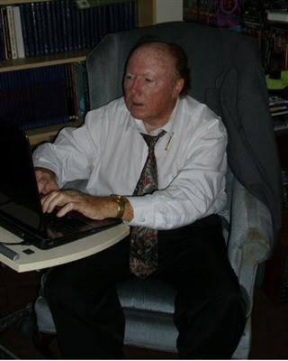 Dr Lee Outlaw