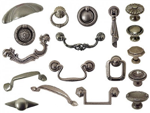 Hardware by Bosetti-Marella. You can find this sort of thing at nicer hardware stores.