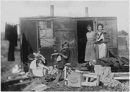 hoovervilles was like a camp or temporary home where homeless people    Inside Hooverville Homes