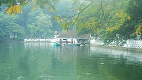 Kandy Lake and Joy boat-riding service