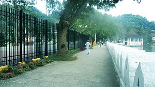 Walkway around Kandy Lake