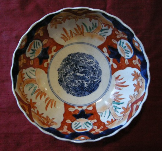 Imari bowl purchased in Holland