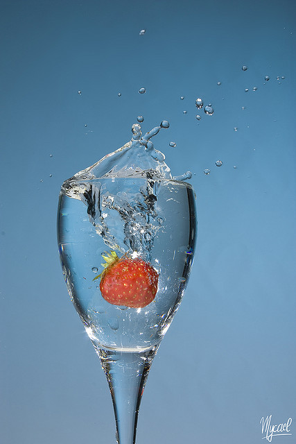 Water and weight loss (image requires attribution)