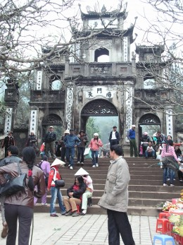 Perfume Pagoda entrance