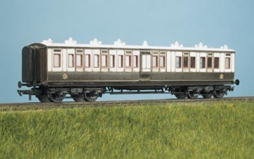 Ratio plastic London & North Western Railway main line coach in 4mm