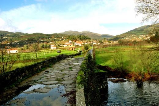 The medieval stone bridge, Ponte de Vilela