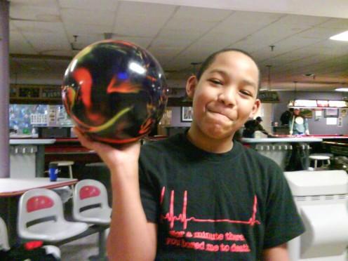 Arthur and his tenpin bowling ball