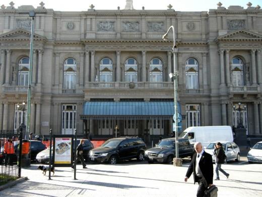 Facade of Teatro Colon