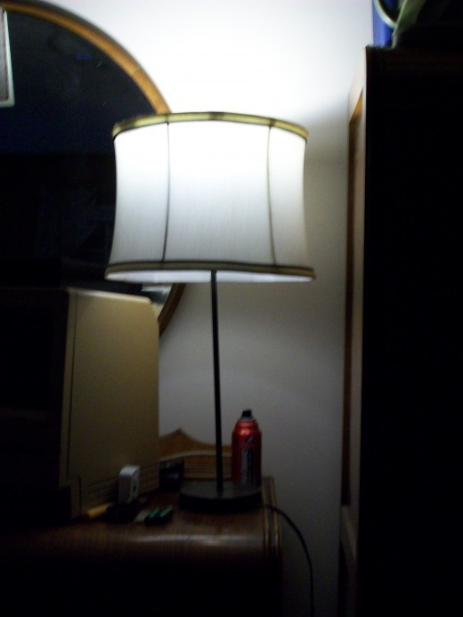 Lamp with the Utilitech 7.5 watt LED