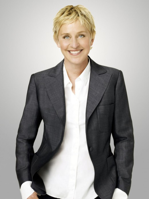 Ellen Degeneres with her trademark super-loose, masculine style; while I may not be physically attracted to her style, she nevertheless commands my respect for asserting her autonomy