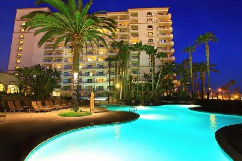 The Water Front Beach Resort Hilton Hotel - Surf City, California