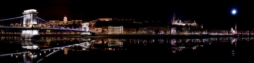 Budapest by night, Buda Castle in the background