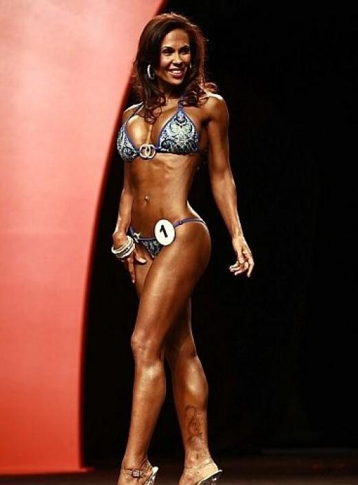 Dina Al-Sabah - IFBB Bikini Pro