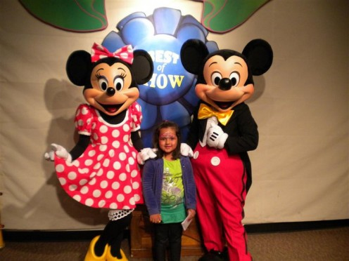Faith with Mickey and MInnie Mouse at Disney World