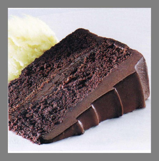 easy chocolate fudge cake recipe delishably
