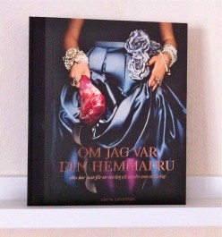 Some books have amazing book covers! Show them! This is an awesome cook book by the Author: Lotta Lundgren