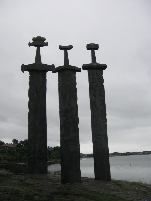 Three Swords Monument, Stavanger