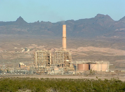This is a picture of Mojave Generating Station, a 1,580 MW coal plant