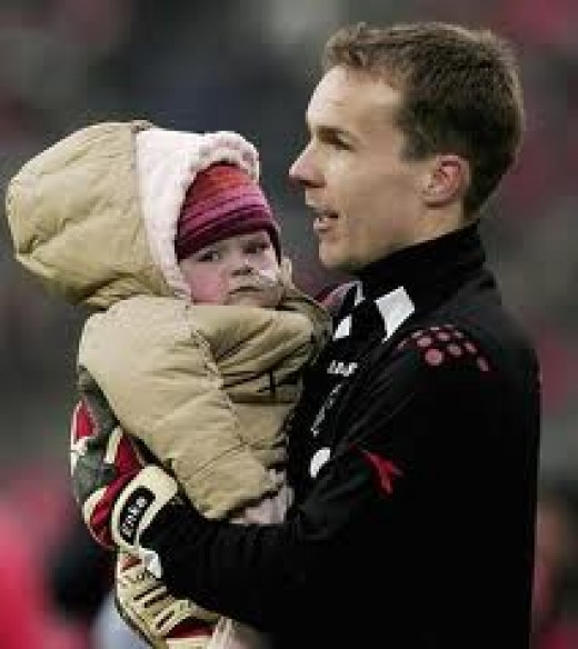 Robert Enke w/ daughter