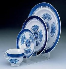 Eat Small Portions on Saucer Plates
