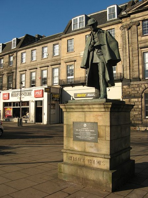 Sherlock Holmes Statue,Edinburgh. Source: Jonathan Oldenbuck, wikimedia commons,CC BY-SA 3.0