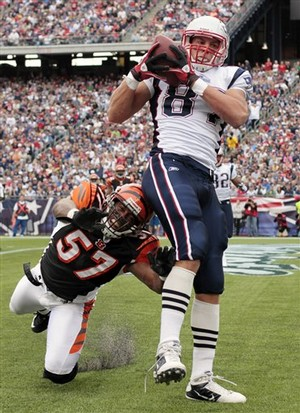 Gronkowski wastes no time in making his presence felt as he scores his first touchdown in week 1 of his rookie campaign against the Bengals.